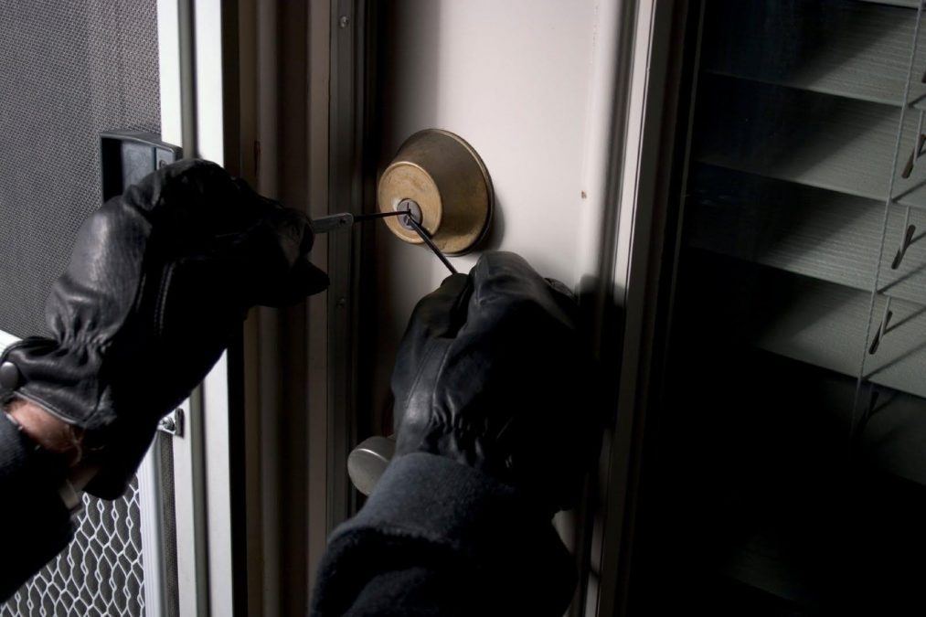 Police warn Porchester home owners over spate of burglaries
