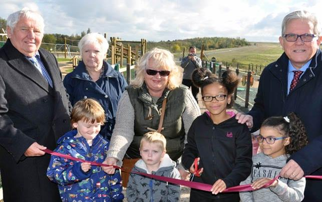 Photo of New £200k play area officially opened in Gedling Country Park