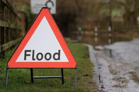 Flooding closes road in Stoke Bardolph