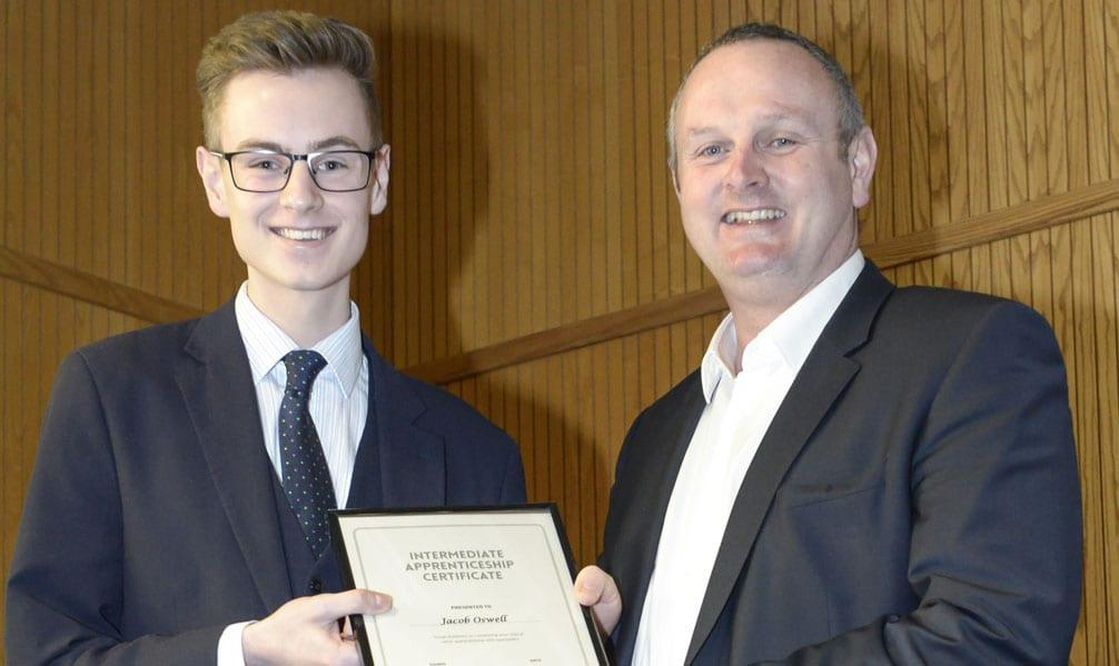 Arnold opticians urge youngsters to take part in graduate scheme