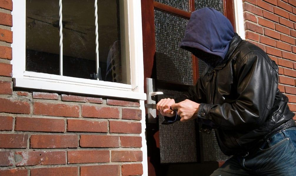 Hot weather could lead to more burglaries in Gedling, warn police