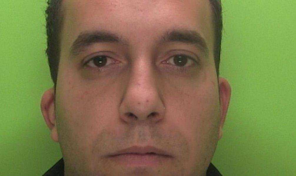 Thief who stole cash from pensioners jailed