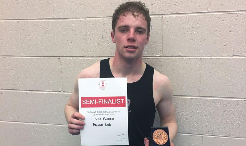 Sherwood boxer shines on national stage