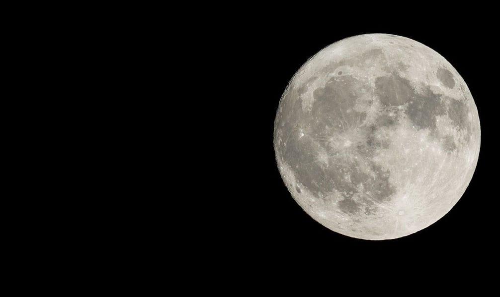 https://www.gedlingeye.co.uk/wp-content/uploads/2017/11/Moon_stock.jpg