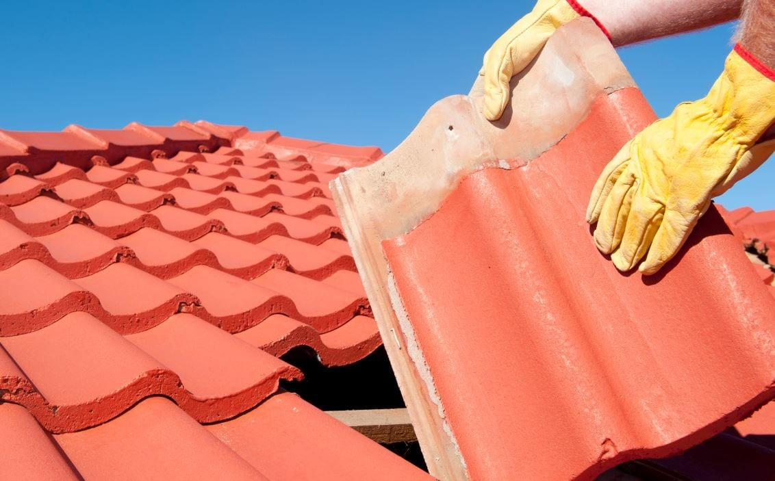Residents in Gedling borough warned to avoid roofing conmen