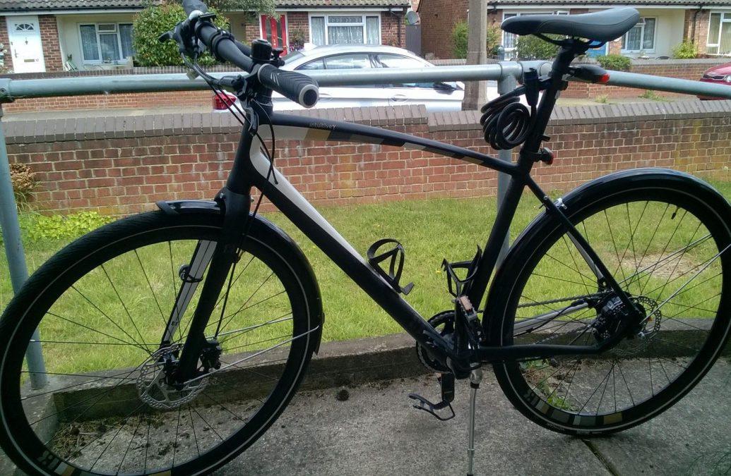 https://www.gedlingeye.co.uk/wp-content/uploads/2018/06/Hybrid_bike_Woodthorpe.jpg