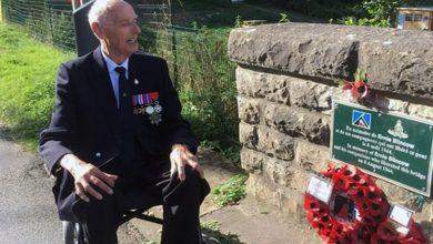 Photo of D-Day veteran Ray Mellors dies, aged 94