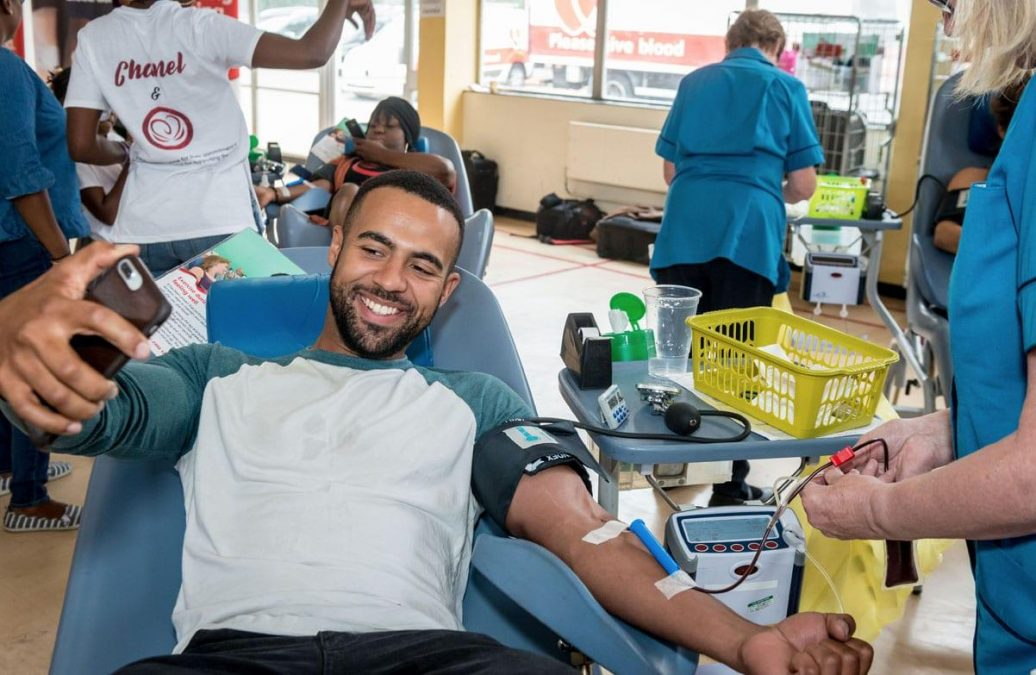 Photo of Man up! Males across the borough urged to give blood as new figures show double the amount of women donated last year
