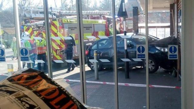 https://www.gedlingeye.co.uk/wp-content/uploads/2019/02/Car-crash-Tesco-Carlton-640x360.jpg