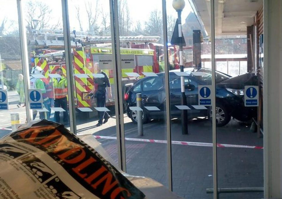 Car-crash-Tesco-Carlton