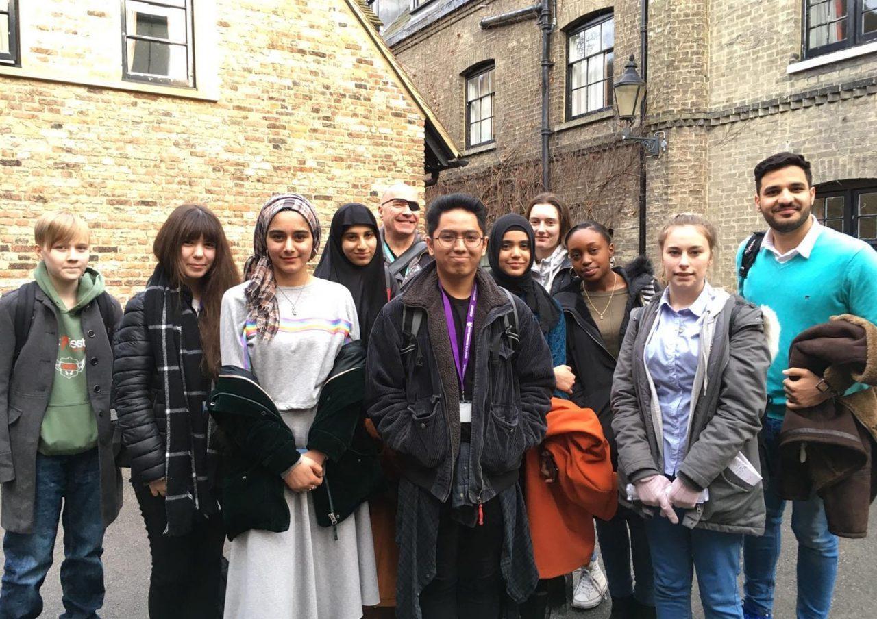 https://www.gedlingeye.co.uk/wp-content/uploads/2019/02/Students-Gedling-Cambridge-1280x904.jpg