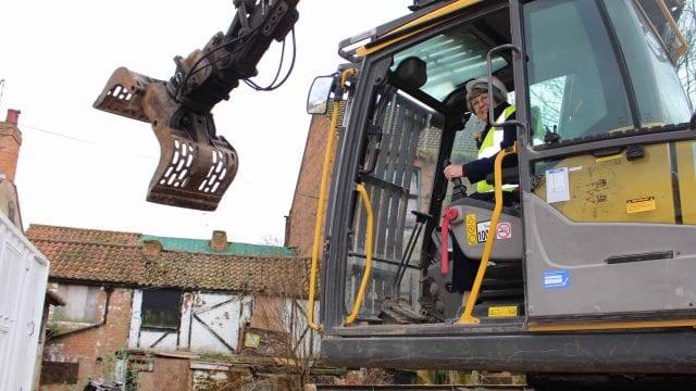 https://www.gedlingeye.co.uk/wp-content/uploads/2019/03/carlton-demolition-640x360.jpg