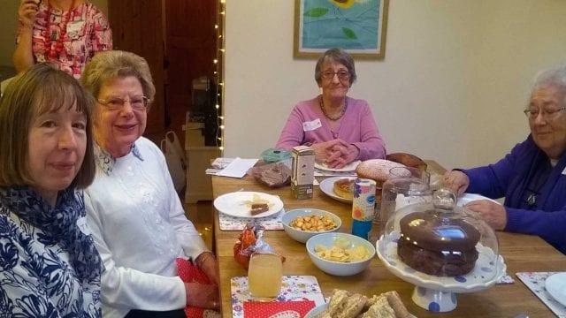 https://www.gedlingeye.co.uk/wp-content/uploads/2019/03/contact-the-elderly-arnold-640x360.jpg