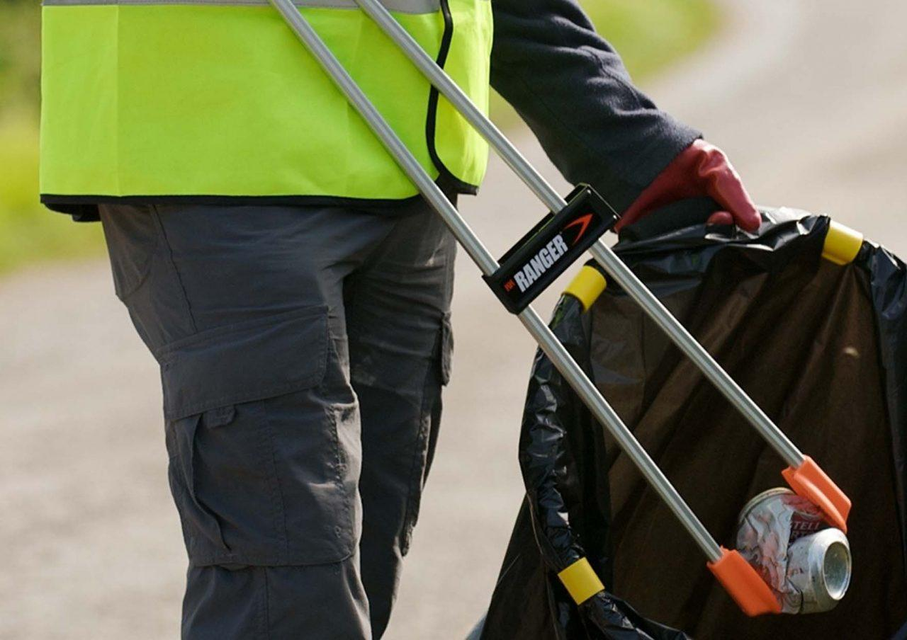 https://www.gedlingeye.co.uk/wp-content/uploads/2019/03/litter-pick-up-1280x904.jpg