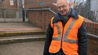 Photo of Station adopter Tony Cave urges passengers to call for more trains at Carlton and Netherfield stations during East Midlands Railway consultation
