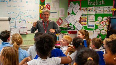Photo of 'Poet from the Peaks' pays visit to primary school in Arnold