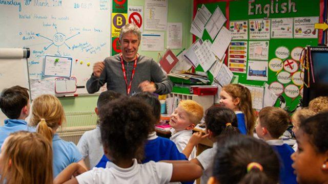 https://www.gedlingeye.co.uk/wp-content/uploads/2019/04/andy-tooze-calverton-school-visit-640x360.jpg