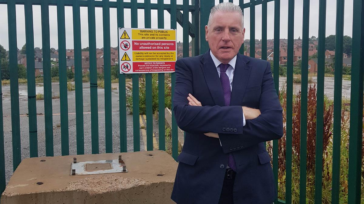 'Enough is enough': Gedling MP Vernon Coaker wants council to reveal plans for 'eyesore' site in Arnold
