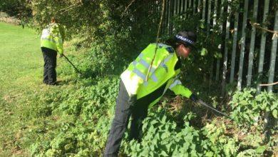 Photo of Police and council carry out weapons sweep of park in Carlton