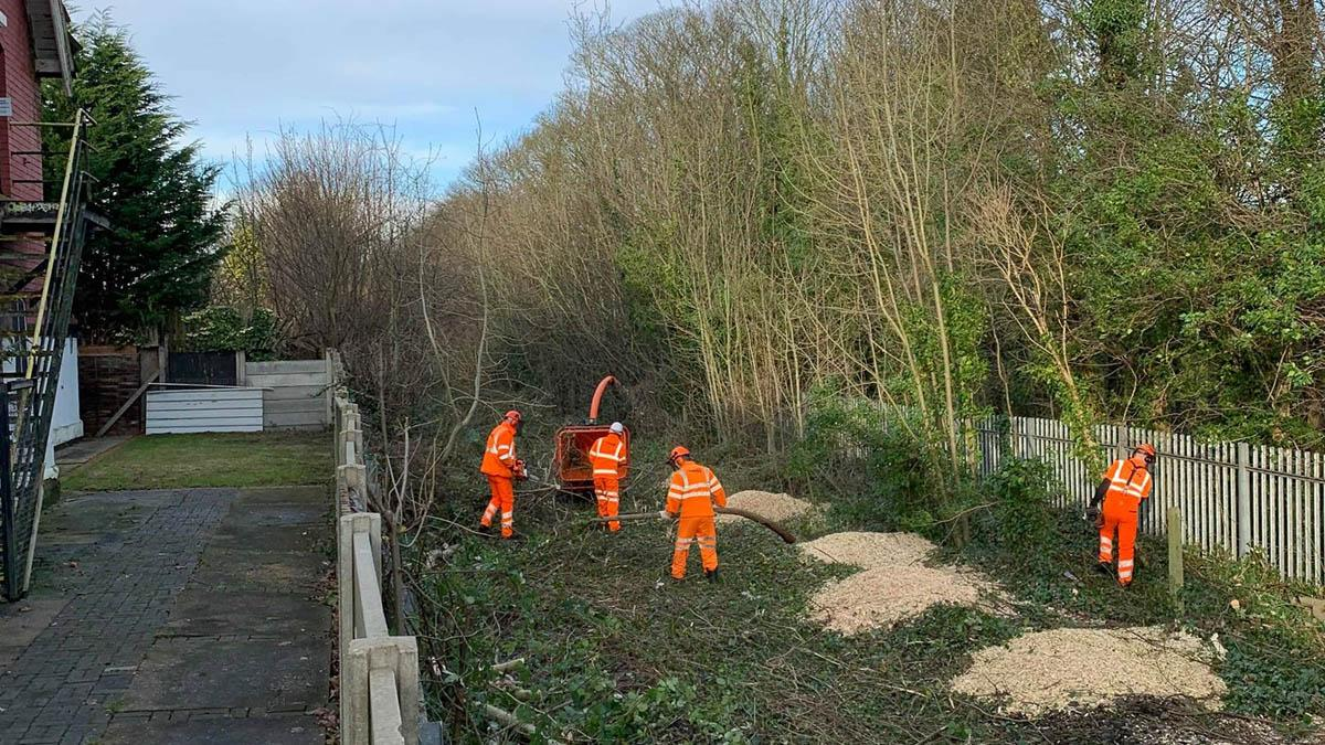 Full steam ahead as work begins on clearing old train line which could soon be  transformed into exciting new heritage trail in Gedling