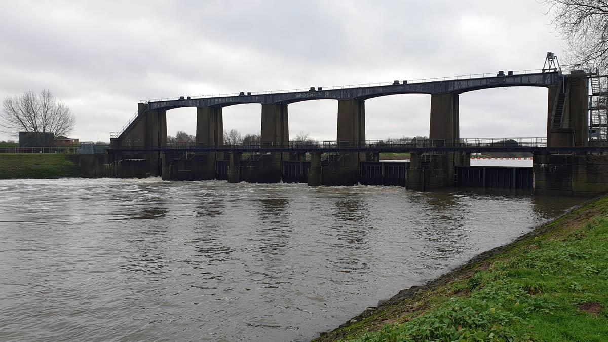 No plans to give public access to bridge at Colwick sluice gates despite calls from residents