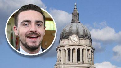 Photo of Gedling councillor Sam Smith calls for Nottingham Council House bell to ring at 11pm on January 31 as UK leaves EU