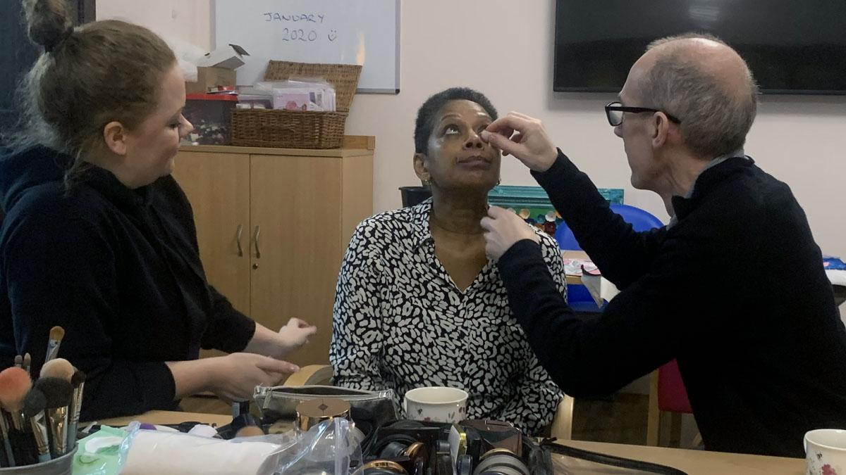 Partners of patients at hospice in Mapperley learn how to give their loved ones a makeover