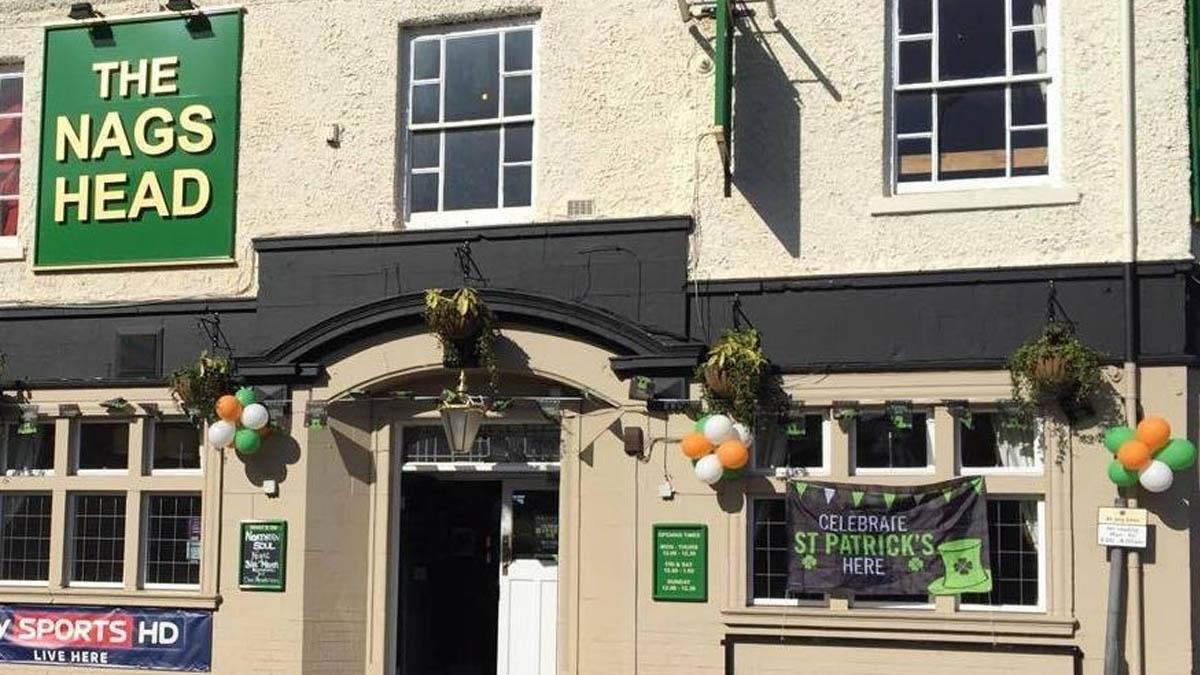 Pub in Carlton temporarily closes for 'safety of others' after staff member enters self-isolation