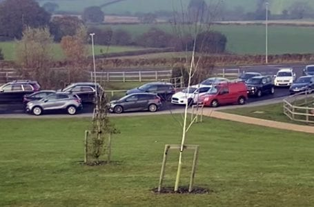 Parking restrictions put in place on roads near Gedling Country Park after recent traffic chaos