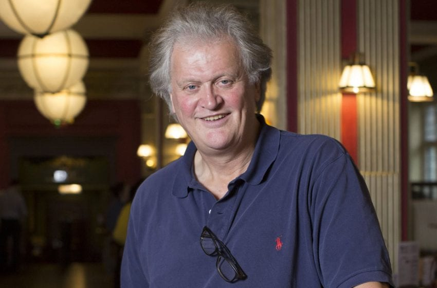 Tim Martin: 'Pubs must be allowed to re-open at same time as non-essential shops'